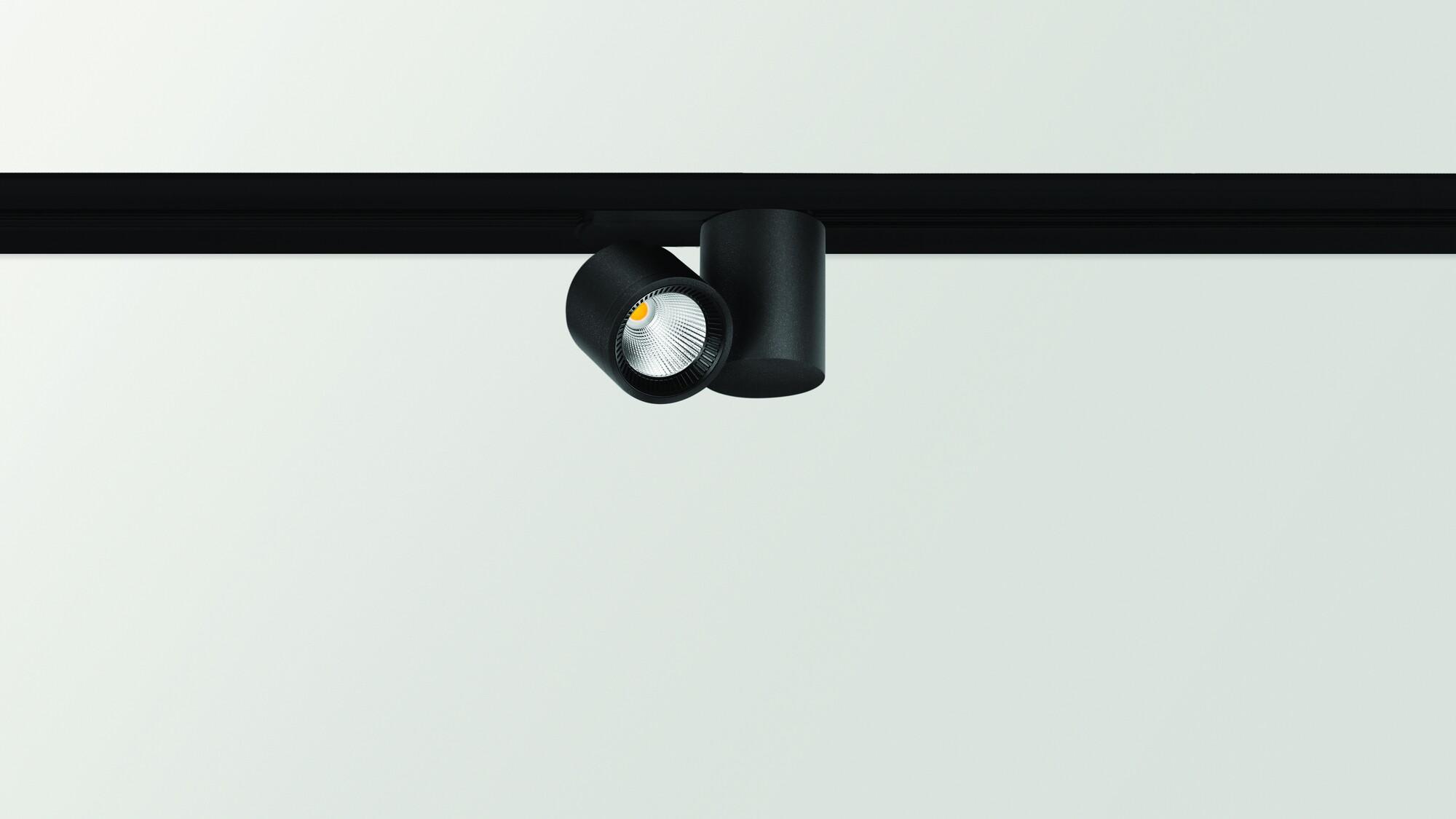IO Systeem & profiel LED 1x4,5W/485lm Zwart