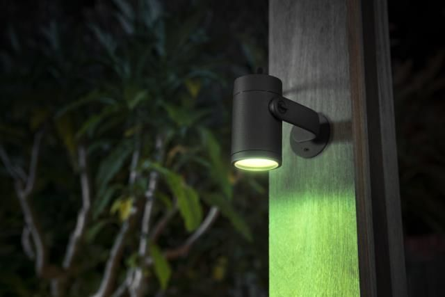 Philips HUE LILY Tuinspies LED 1x8W/600lm Zwart